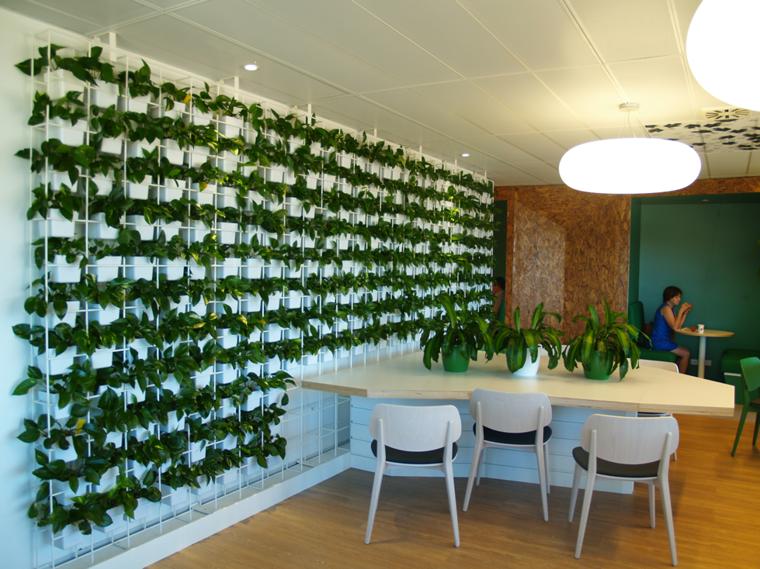 Jardines verticales de interior decorar oficinas con for Jardines verticales interior
