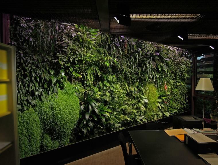 nice vertical garden for office