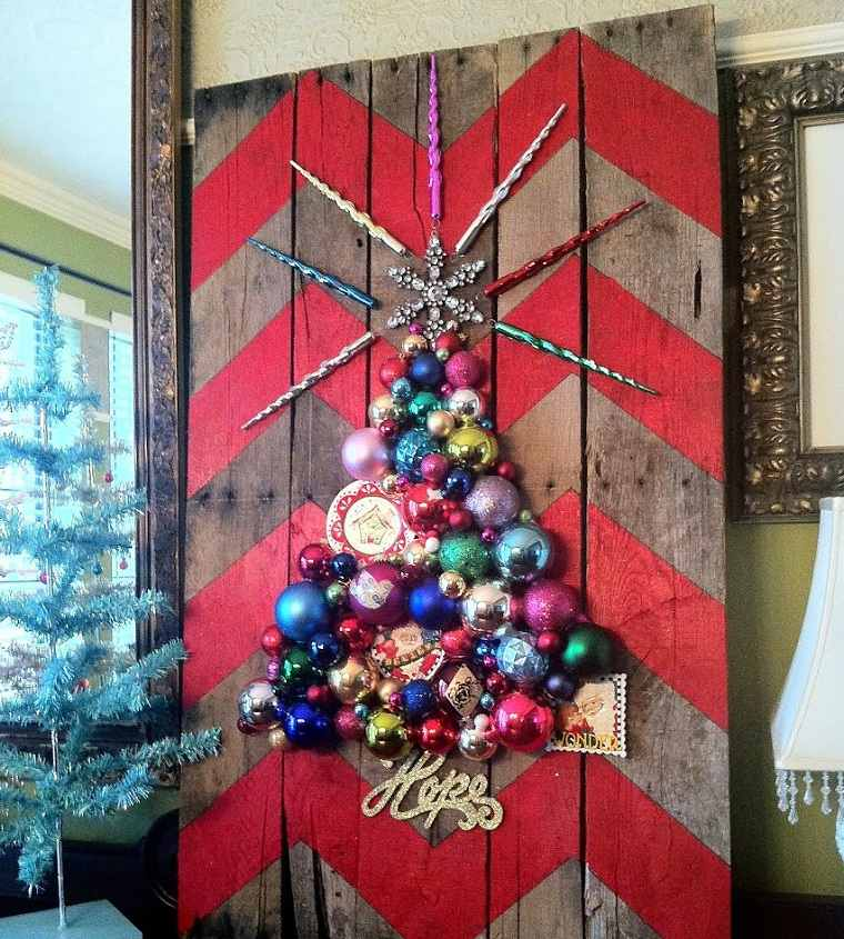 manualidades-de navidad-arbol-decorativo-madera-adornos