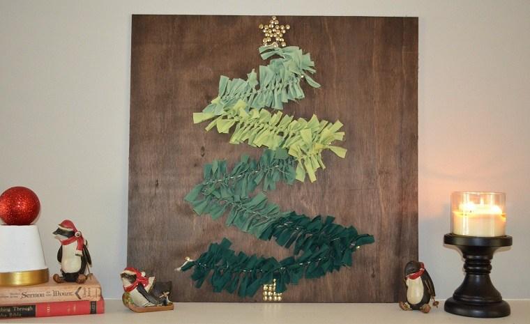 manualidades-de navidad-arbol-decorativo-madera-guirnalda