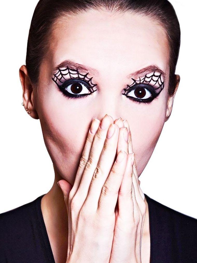 maquillaje-halloween-mujer-ideas-ojos-parpados