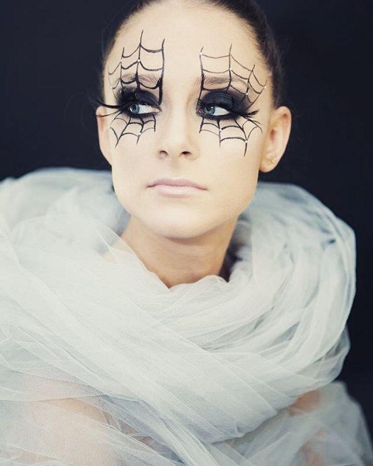 maquillaje-halloween-mujer-ideas-telarana-ojos-estilo