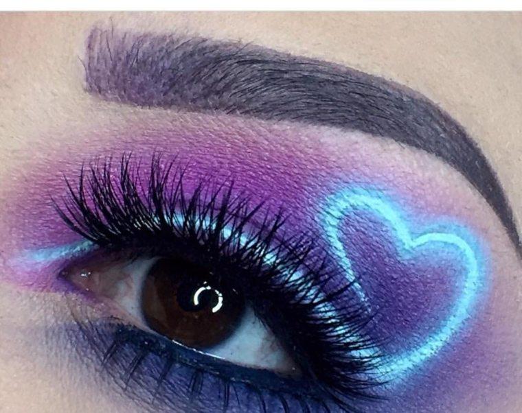 maquillaje-neon-ojos-corazon