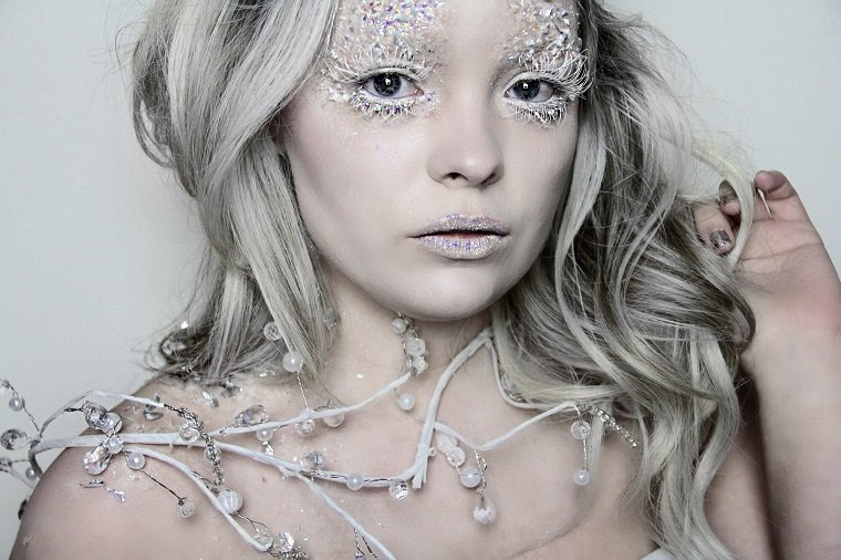 maquillaje-reina-hielo-diseno-elaborado