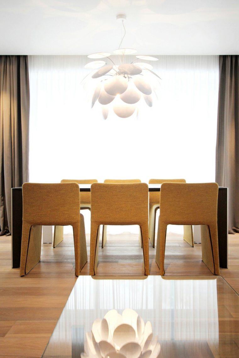 Muebles de comedor modernos las tendencias para el 2018 for Sillas amarillas comedor