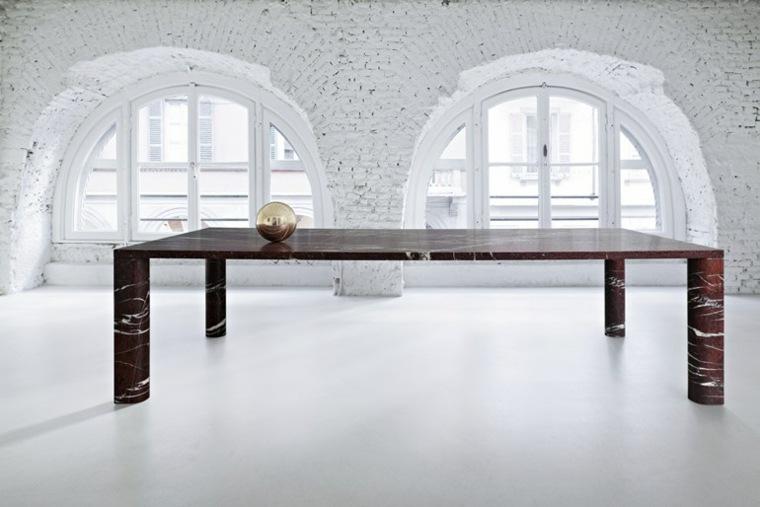muebles de salon contraste ladrillos