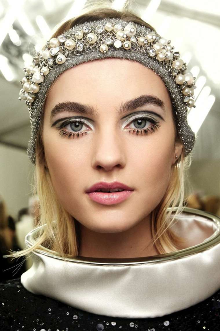 mujer-moda-mquillaje-ojos-2017-tendencias