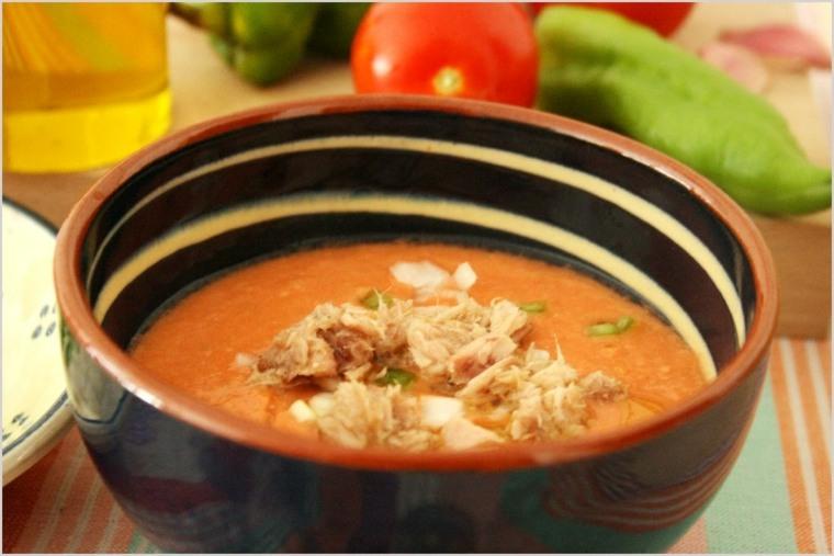 plato de salmorejo español
