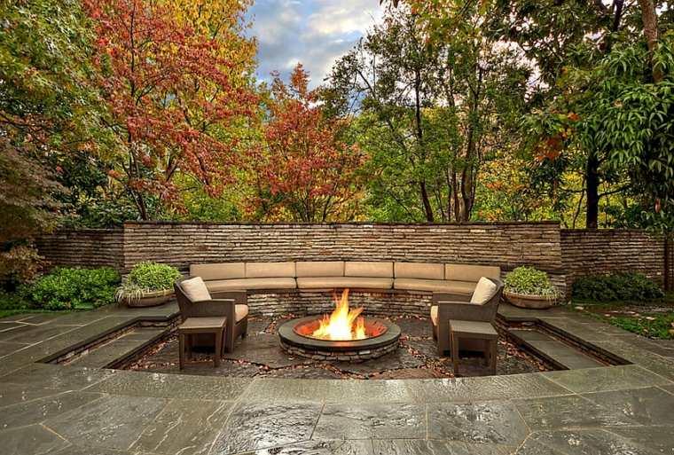 salon-ideas-creativas-jardin-diseno-rustico-pozo-fuego