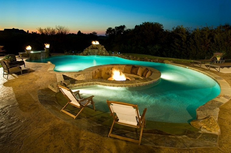 salon-ideas-creativas-jardin-pozo-fuego-piscina
