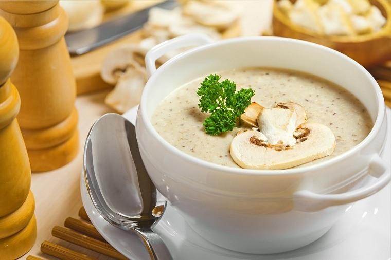 sopa-champinones-menu-otono-ideas-comida