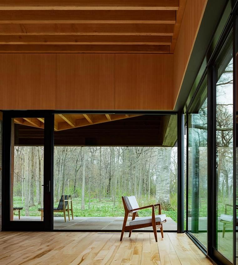 terraza cubierta suelo madera clara