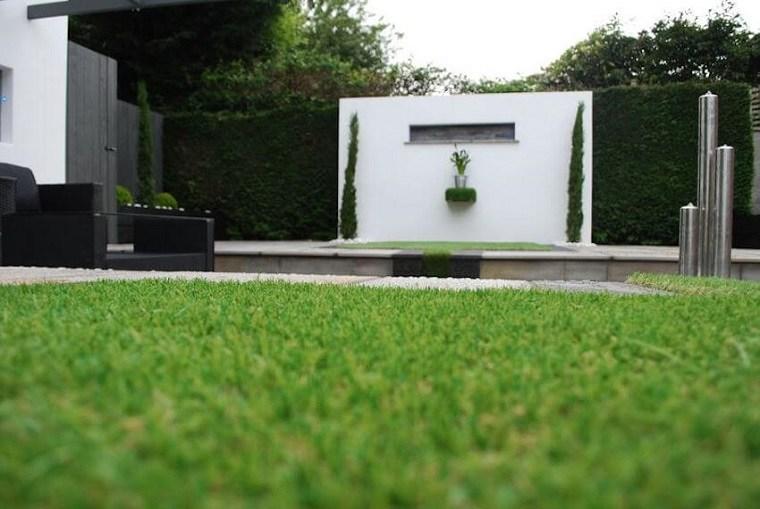 Vallas de jard n consejos para embellecer la valla de su for Decoracion vallas jardin