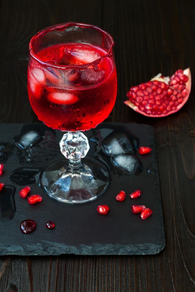 preparar una bebida con hielo seco