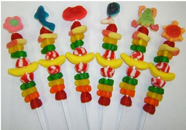 ideas para preparar brochetas de caramelos