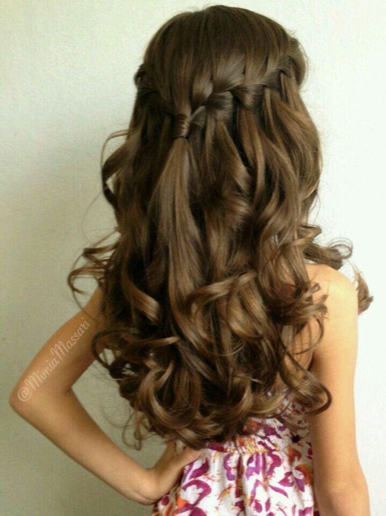 bonito peinado para cabello largo