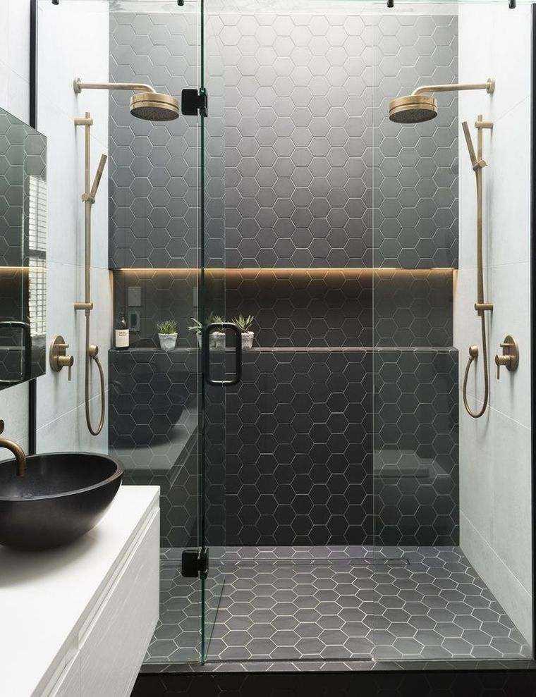 baños modernos con azulejos hezagonales