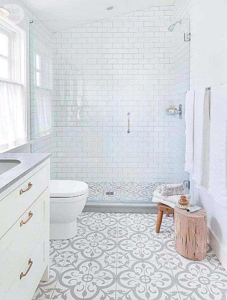 bonito diseño de baño
