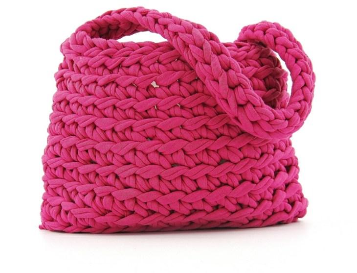 bello modelo rosa impresionante