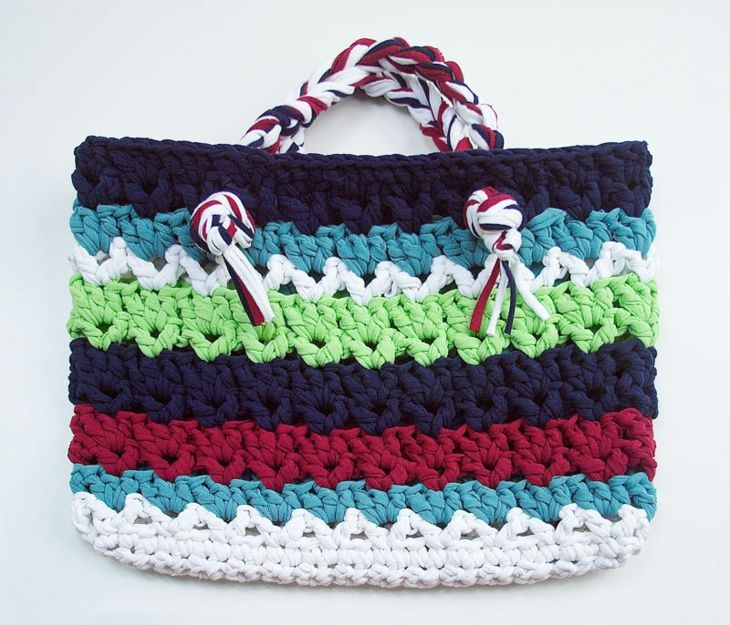 bolsos de trapillo colorido concepto