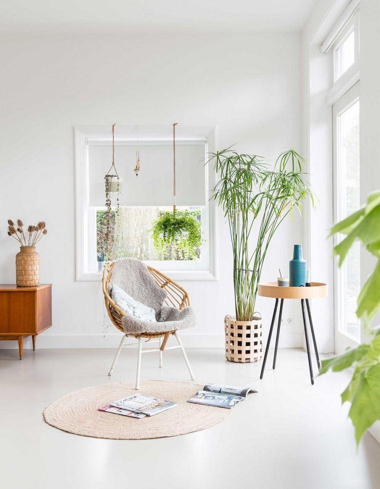 casa blanca-llena-plantas-interior-naturalidad