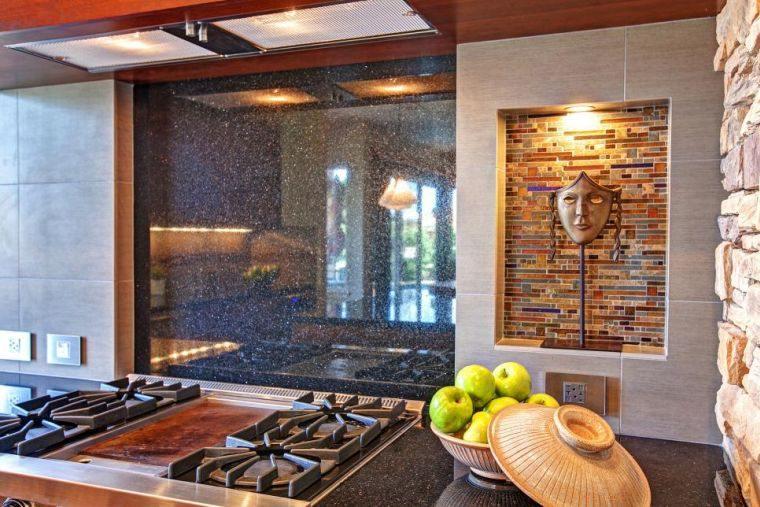 cocina-de-granito-negro-salpicadero-opciones