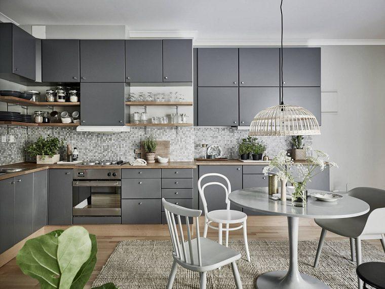 cocinas-modernas-diseno-original-muebles-color-gris