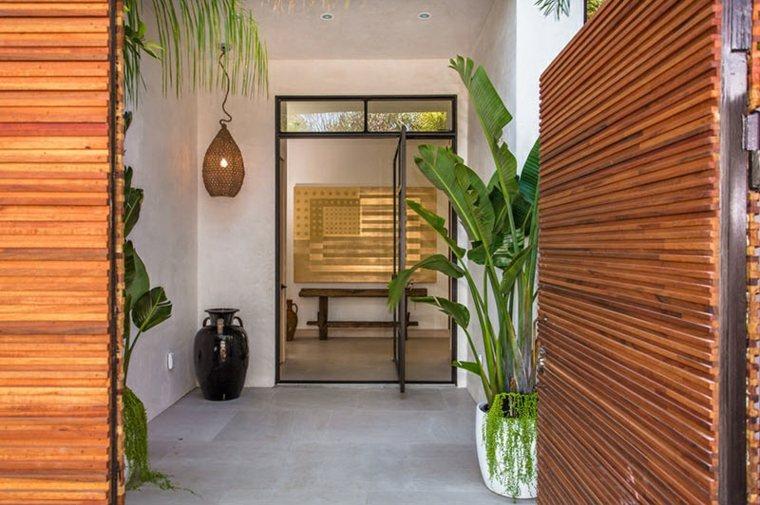 detalles madera natural puertas