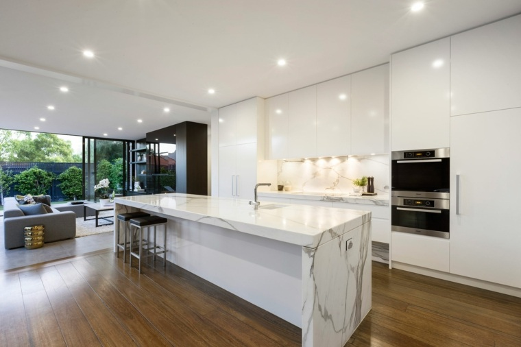 encimeras-cocina-amplia-moderna-blanco