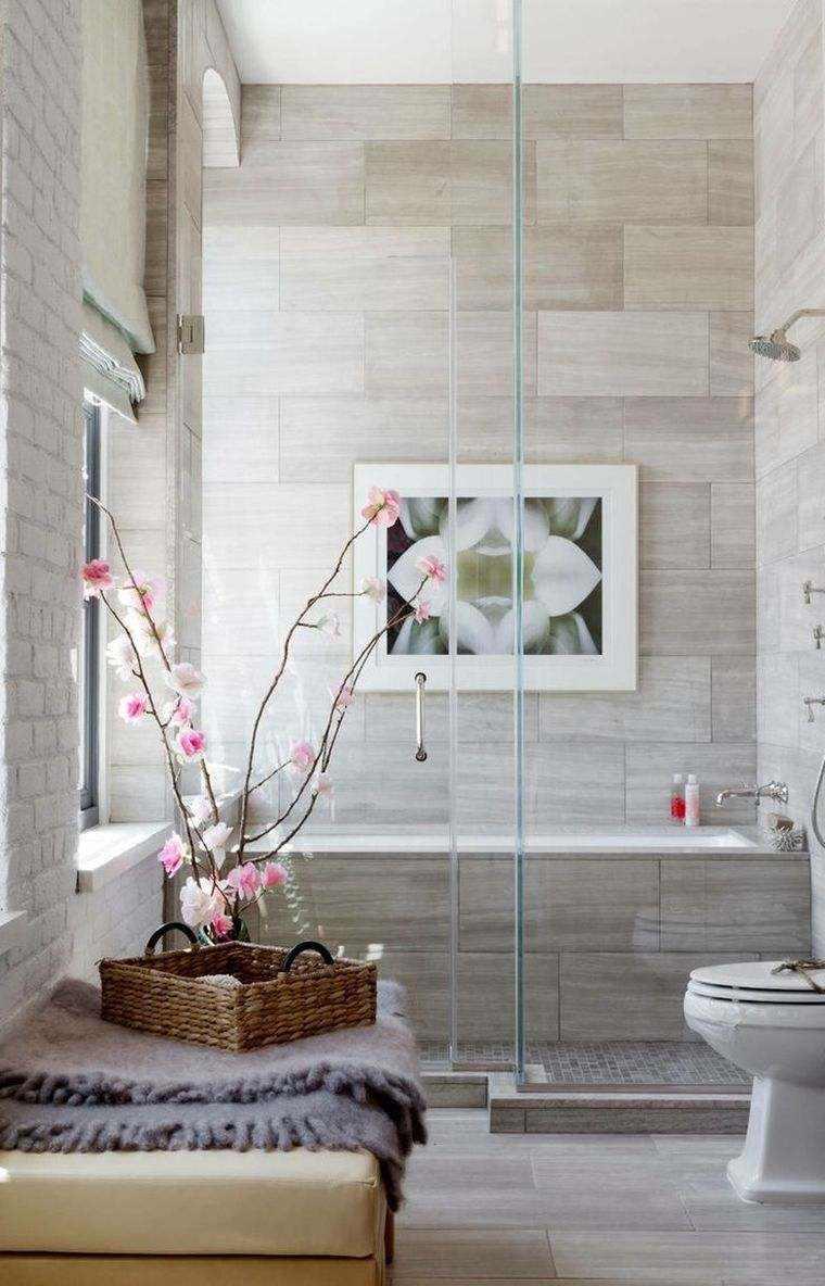 diseño de baño con orquideas