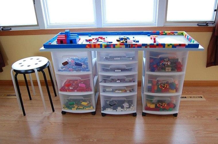 habitaciones-infantiles-originales-DIY-mesita-original
