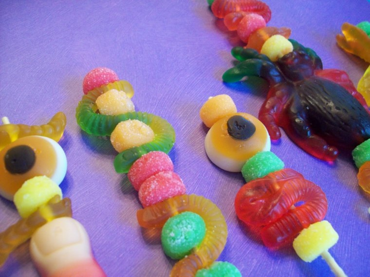 brochetas de chuches y gominolas