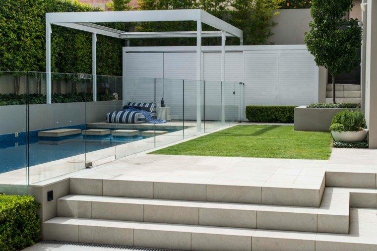 jardin-moderno-piscina-pequena-estilo-exterior