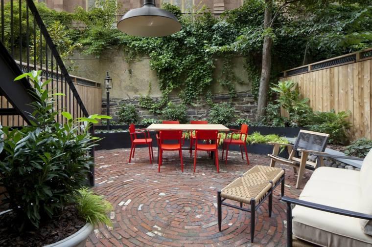jardin-suelo-adoquines-muebles-bellos