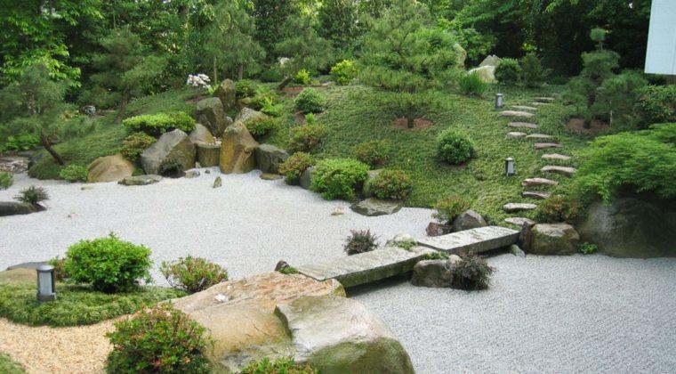 jardines-zen-exteriores-estanque-grande-puente-piedra