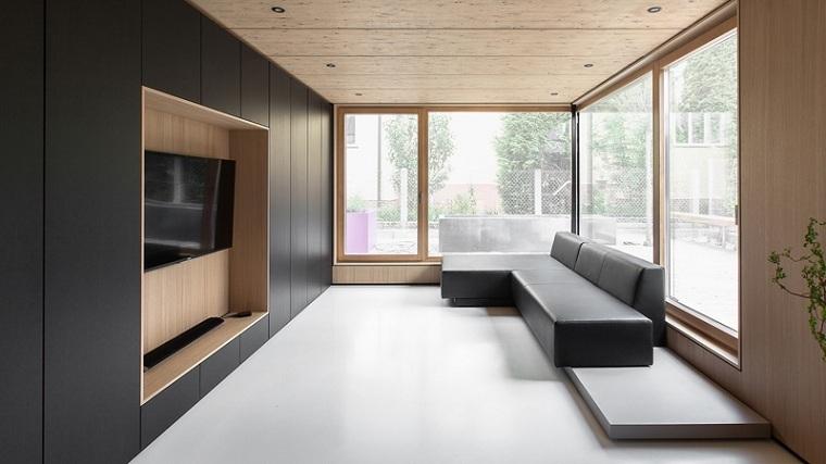 paneles-decorativos-salon-madera-pintura-negra