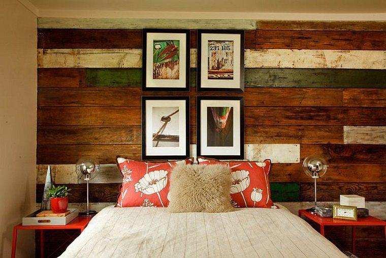 original dormitorio con pared de acento de madera