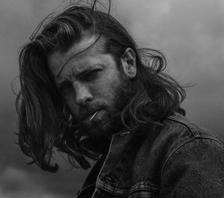estupendo peinado hipster para hombre