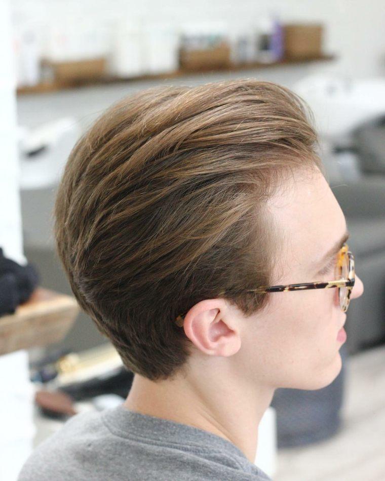 sencillo peinado hipster para hombre