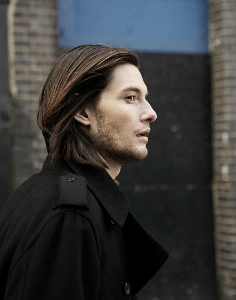 Peinados con pelo largo en hombres
