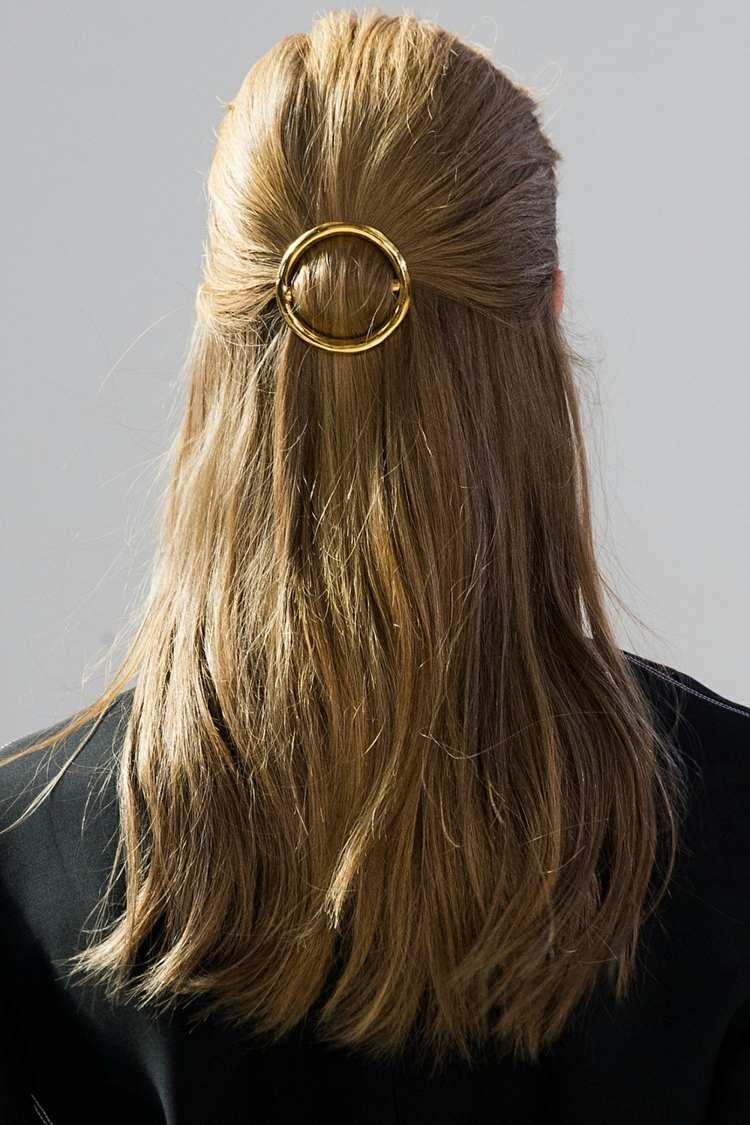 pelo largo exterior moderno dorado