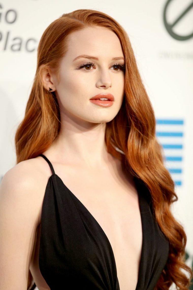 parte superior dominatriz cabello rojo