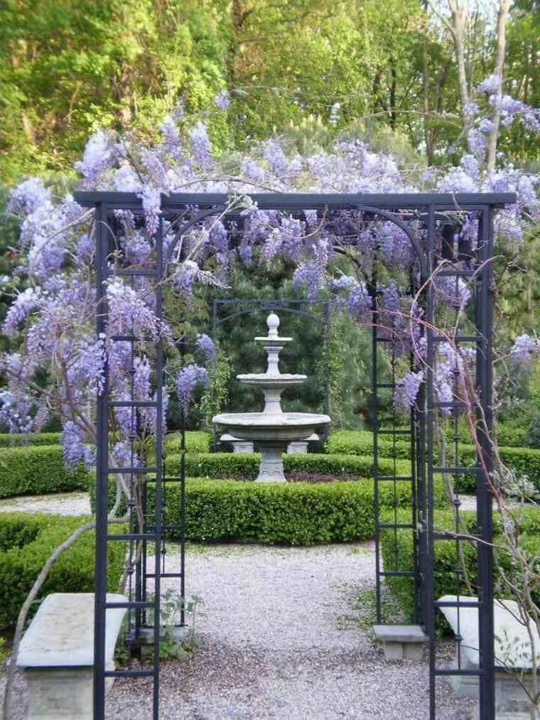 originales ideas para decorar un patio con wisterias