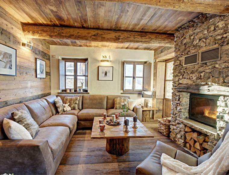 sofa-cuero-chimenea-piedra-pared-techo-madera