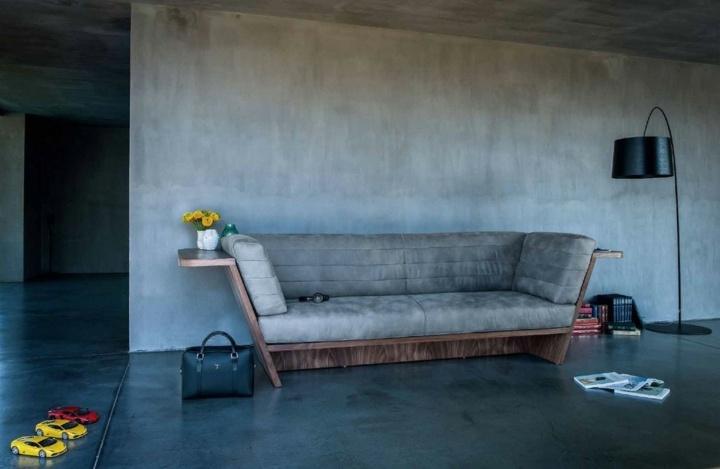 sofa detalles madera clara