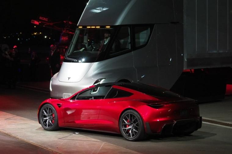 Tesla Roadster y Semi