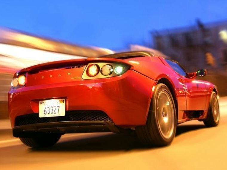 trasero del Tesla Roadster