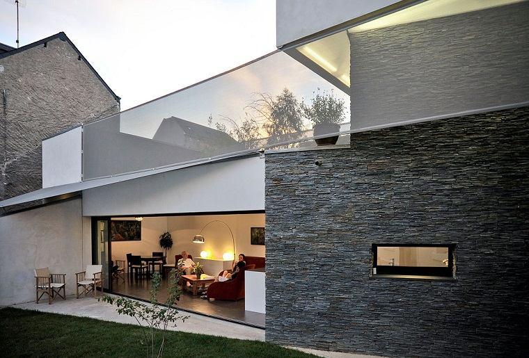 Casas de piedra pros y contras de las casas con fachadas for Piedras para fachadas minimalistas