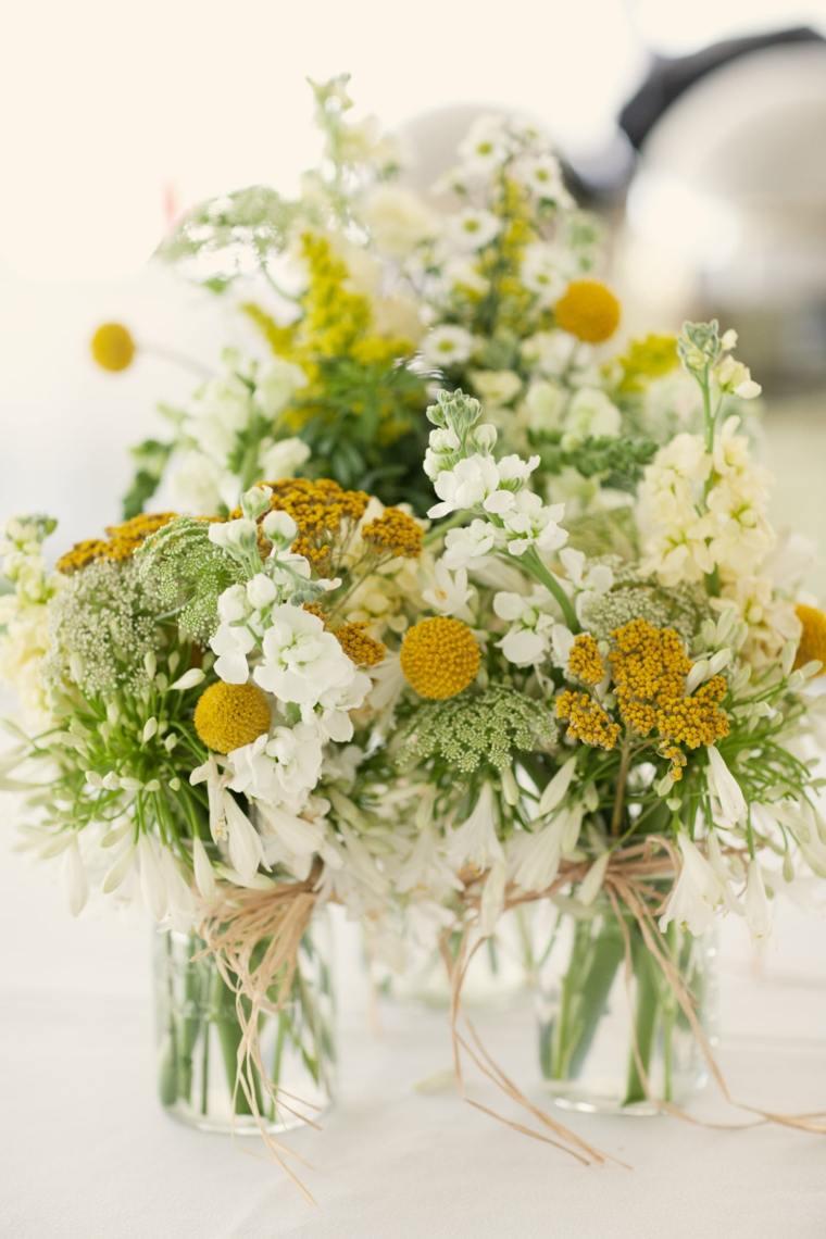 centro de mesa con florecillas