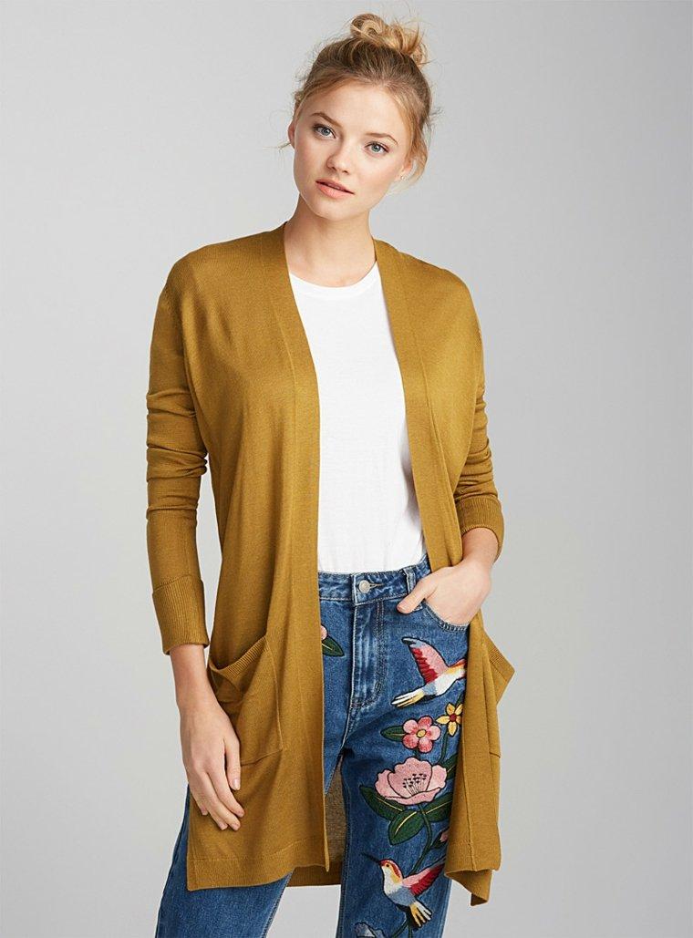 chaqueta-de-punto-amarilla